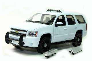 2008 CHEVY TAHOE POLICE CAR SUV 1/24 W/ SHOW CASE WHITE