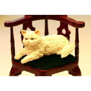 Dollhouse Miniature Lying White Persian Cat Toys & Games