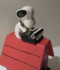 Hallmark Peanuts Snoopy on Doghouse Typewriter 2012+ Perpetual