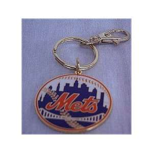 NEW YORK METS BASEBALL TEAM LOGO KEYCHAIN Sports