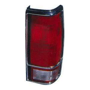 82 90 GMC S15 PICKUP s 15 TAIL LIGHT RH (PASSENGER SIDE) TRUCK, With