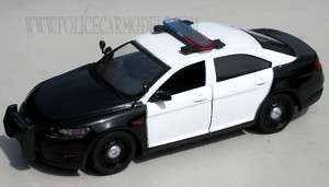 Motormax 1/24 Ford Police Interceptor   Black & White